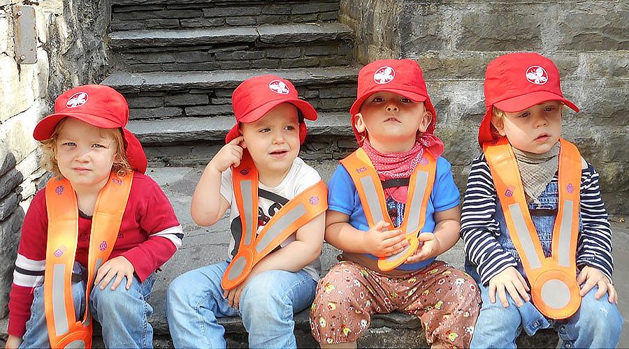 Kinderhaus Ringelrosen Mützen mit Gruppen Icon